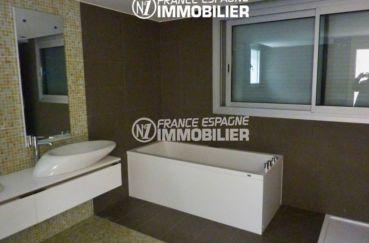 maison a vendre espagne costa brava, ref.2391, salle de bains: baignoire, meuble vasque