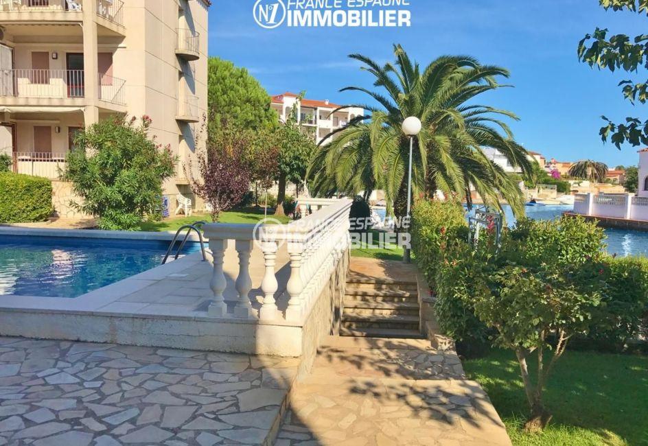 immobilier empuriabrava marina: appartement 68 m², terrasse vue canal, piscine