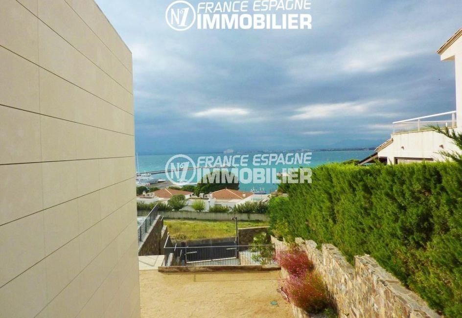 agence immobilière roses espagne: villa ref.2392, magnifique vue du jardin sur la baie