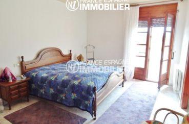 agence immobiliere costa brava espagne: villa ref.1950, aperçu de la première suite coté chambre