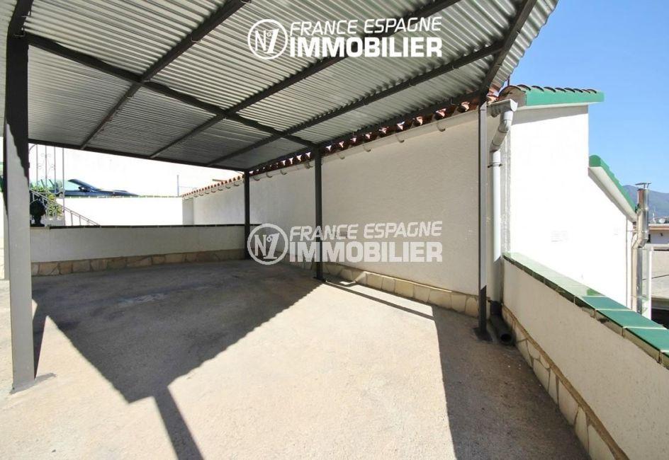 roses immobilier: villa ref.2943, parking privé
