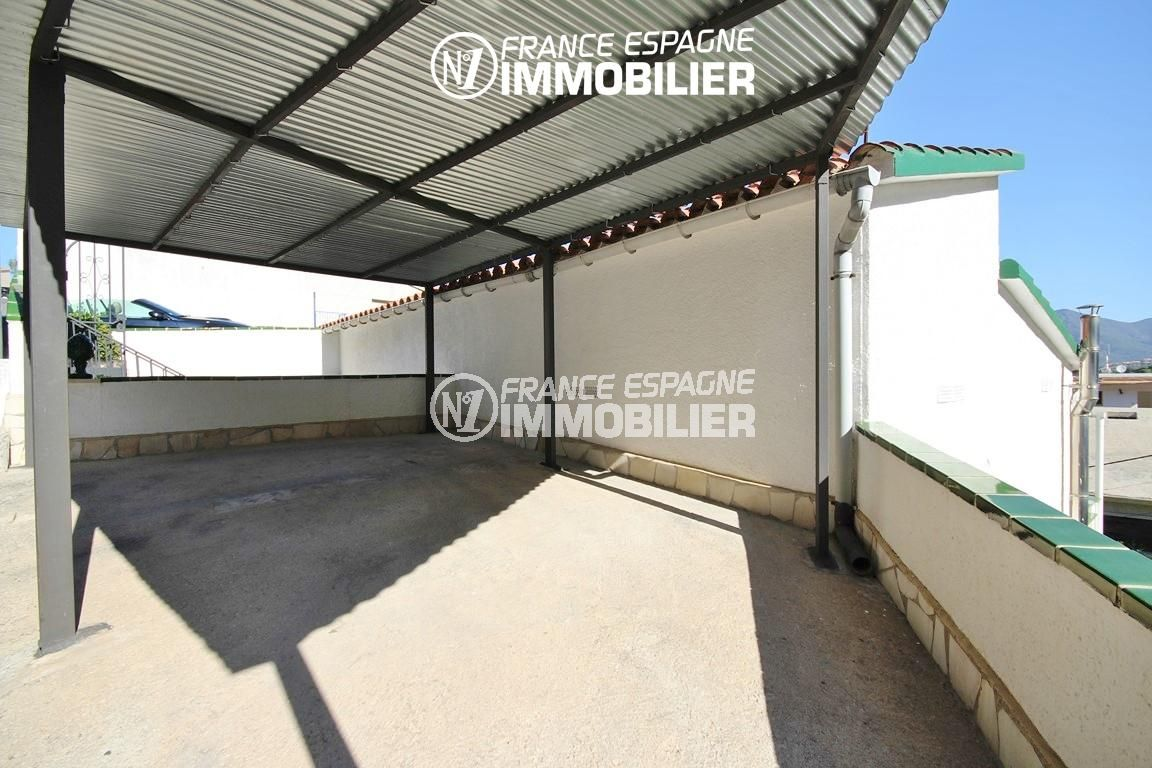 roses immobilier: villa ref.2943, parking privé