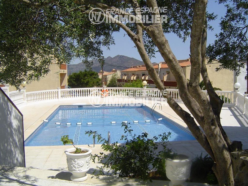 immobilier espagne pas cher: villa ref.2470, vue sur la piscine communautaire