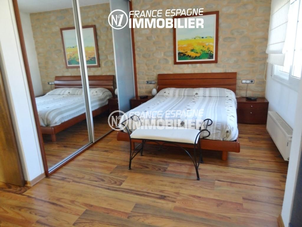 immocenter empuriabrava, villa ref 2110, suite parentale, avec placards