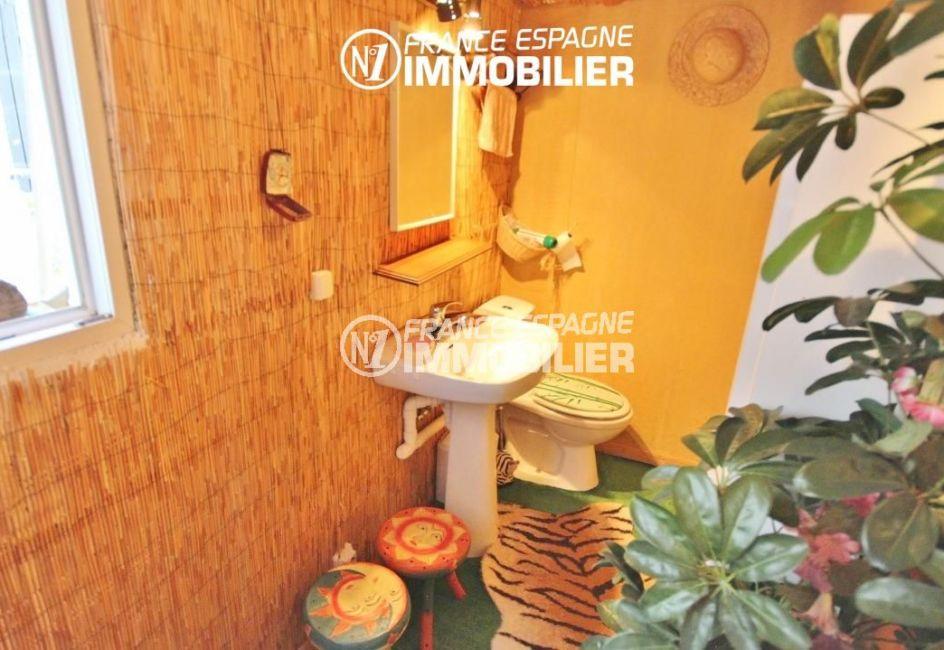 achat rosas espagne: villa 65 m², toilettes indépendantes avec lavabo