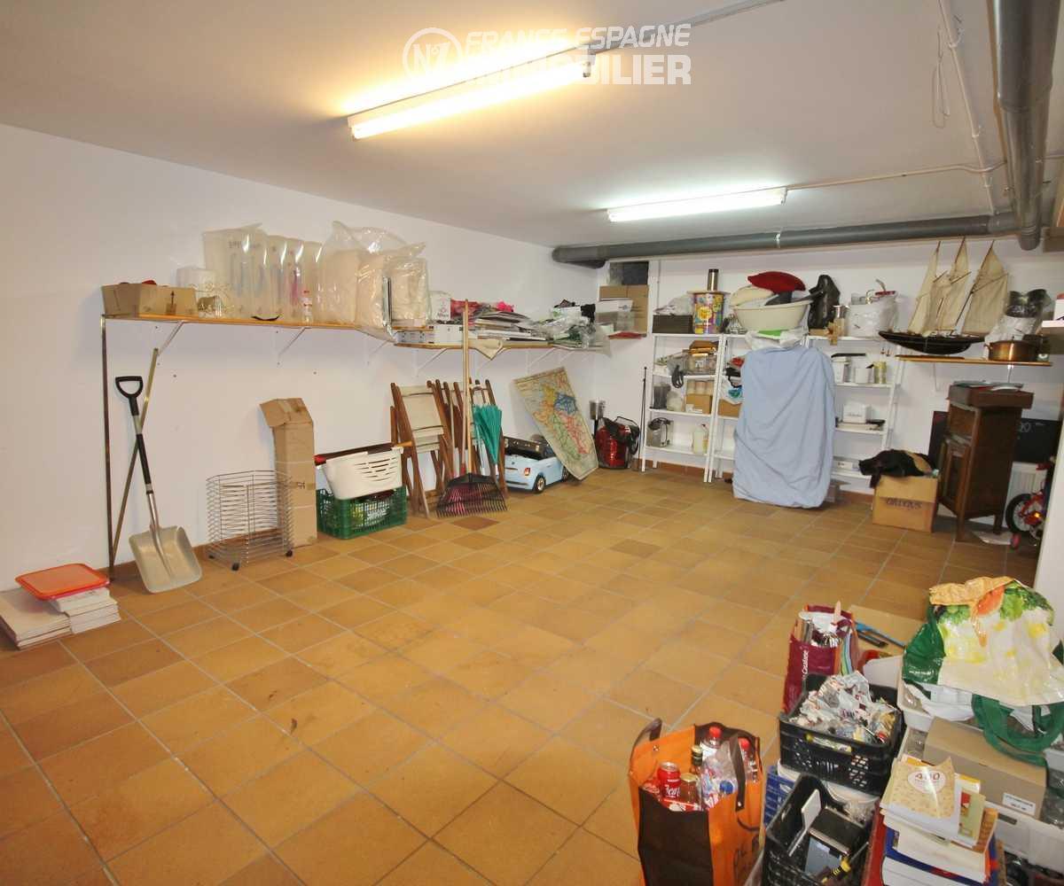 agence immobiliere en espagne costa brava: villa ref.3217, aperçu du garage 35 m² avec ouverture électrique