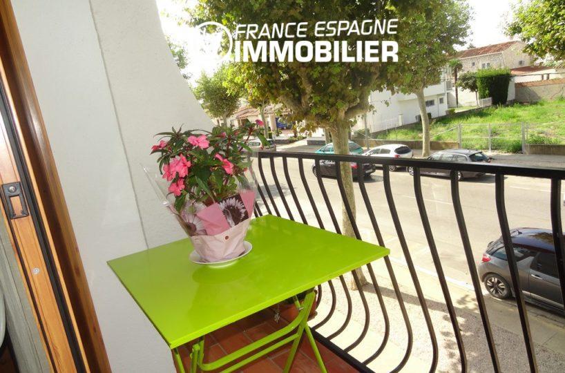 bel appartement petit prix, proche commerces - vue terrasse
