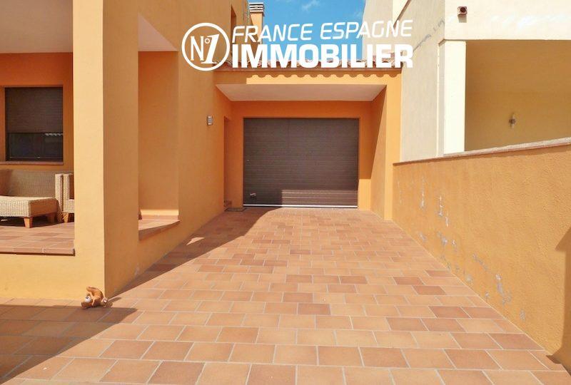 vente maison espagne costa brava, ref.1013, garage de 22 m² avec parking cour intérieure