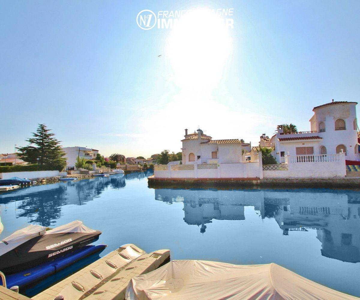 marina empuriabrava: appartement à vendre, vue canal avec piscine