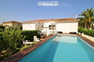 immobilier empuriabrava: belle villa de plein pied, piscine, jardin 400 m²