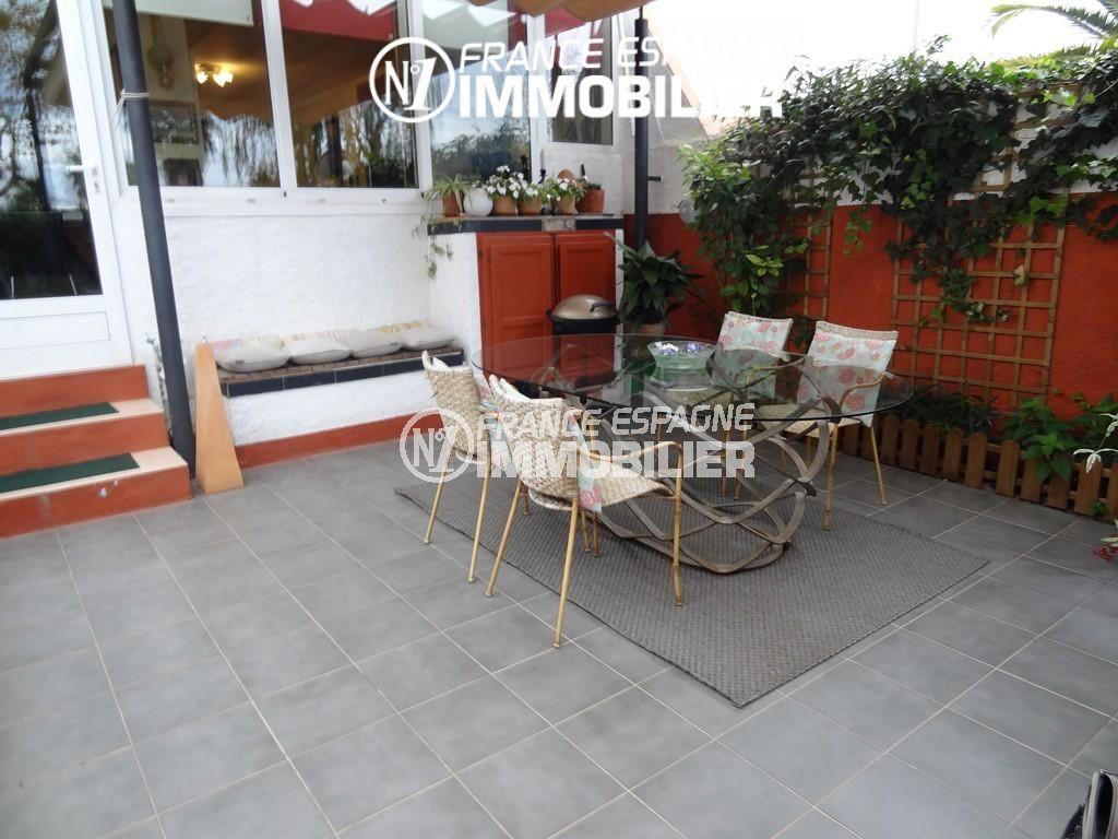 Immobilier empuriabrava, villa 60 m², vue sur la piscine
