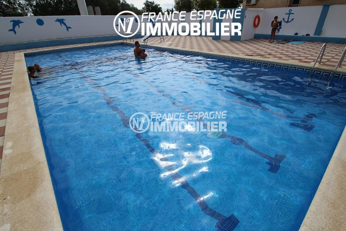 immobilier ampuriabrava: villa ref.2410, vue sur la piscine