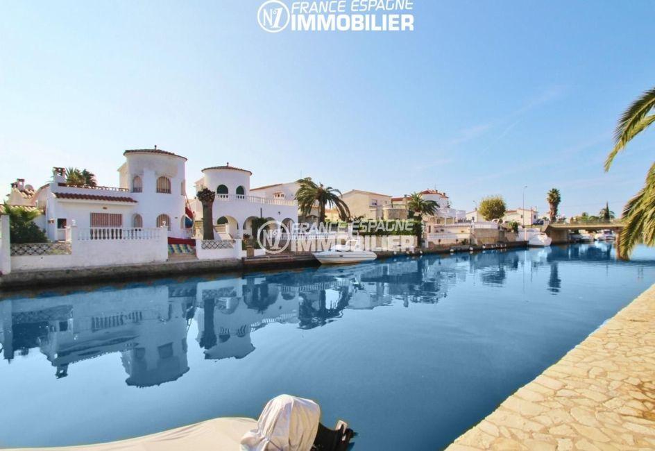 empuriabrava marina: appartement 68 m², terrasse 14 m² vue canal