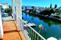 immobilier empuriabrava: appartement avec amarre, piscine et vue sur marina