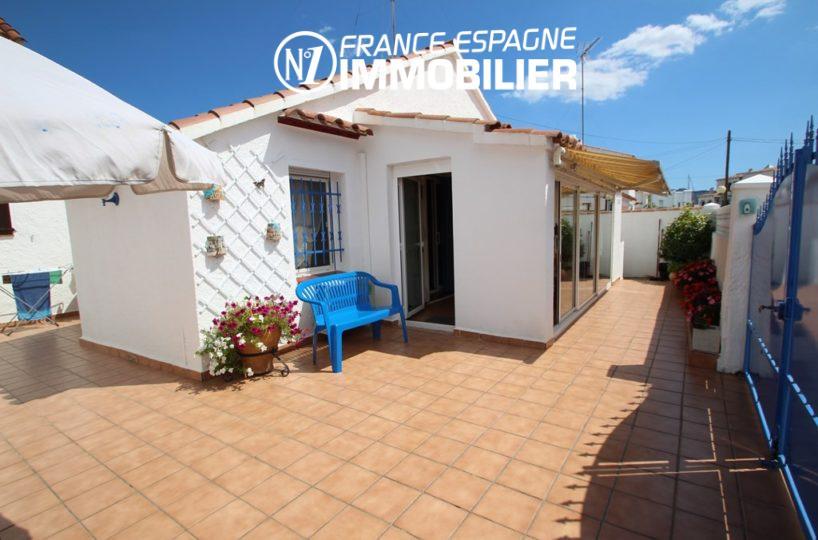 Jolie petite villa à Roses en Espagne