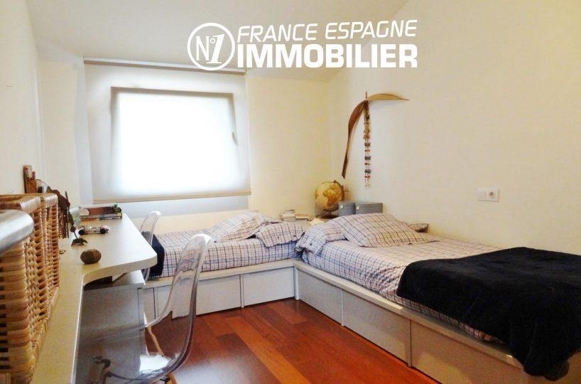 vente immobilière costa brava: villa ref.2482, première chambre avec 2 lits simples