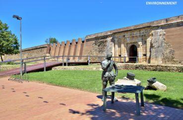 monument le plus important de roses, la citadelle, site archéologique
