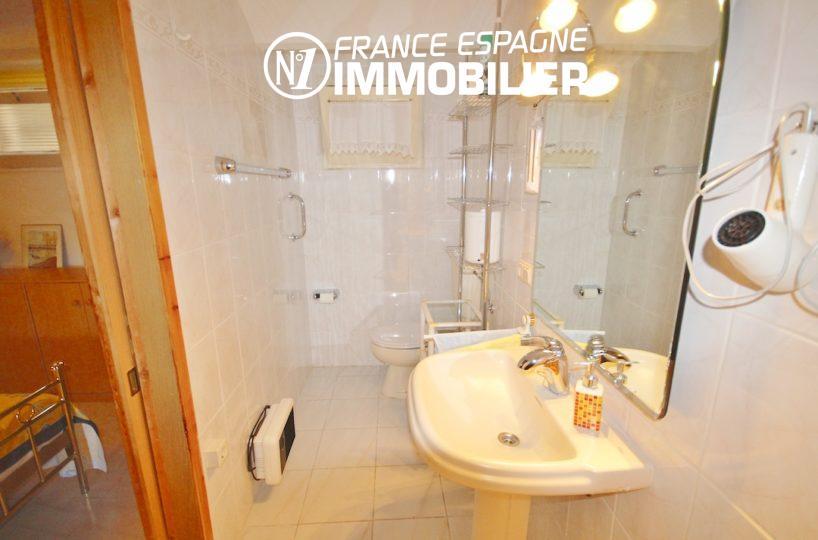 agence immobiliere costa brava espagne: villa ref.2901, salle d'eau de la seconde suite parentale