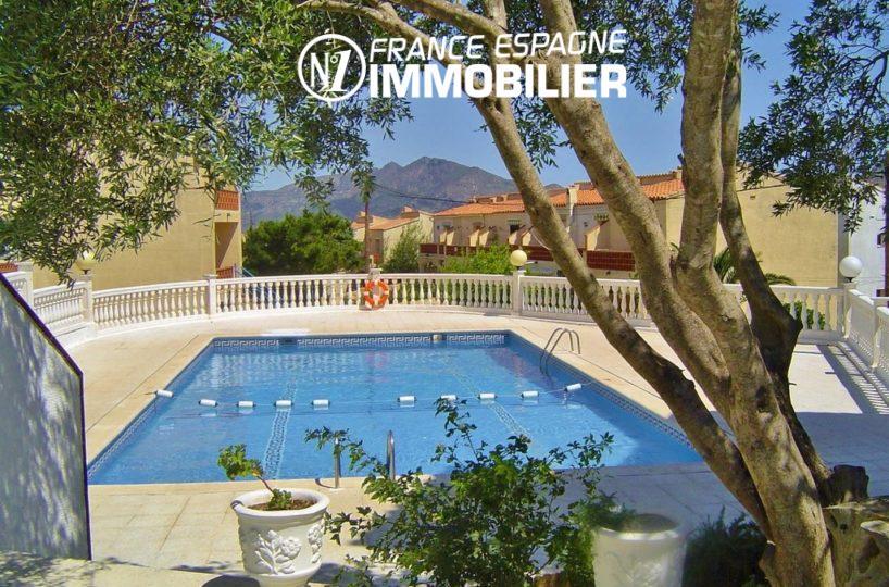 immo rosas: villa ref.3044, aperçu de la piscine dans la résidence