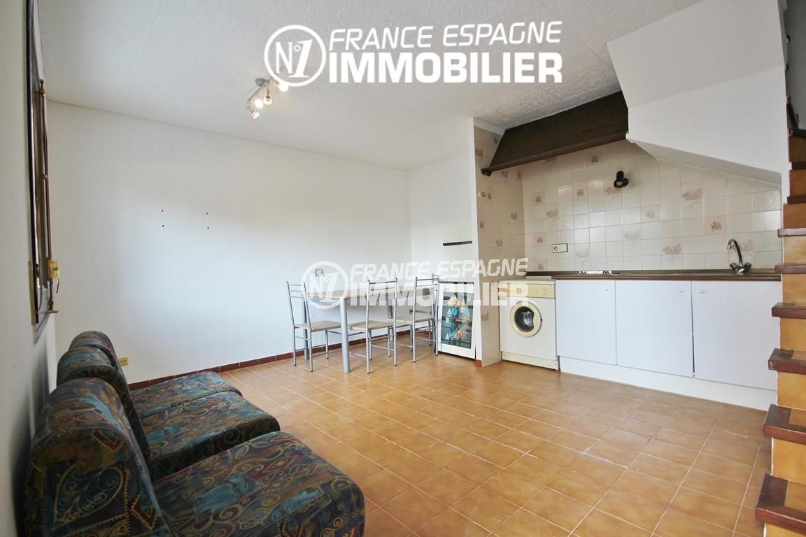 immobilier roses espagne: villa ref.3128, salon / salle à manger , coin cuisine + véranda