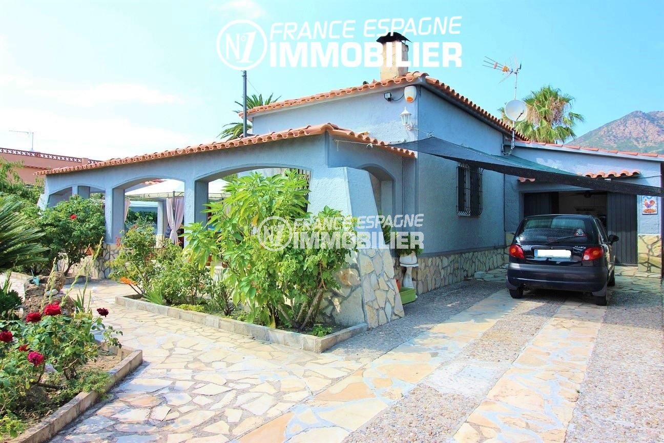 Roses belle villa avec possibilite piscine n 1 france for Villa piscine france