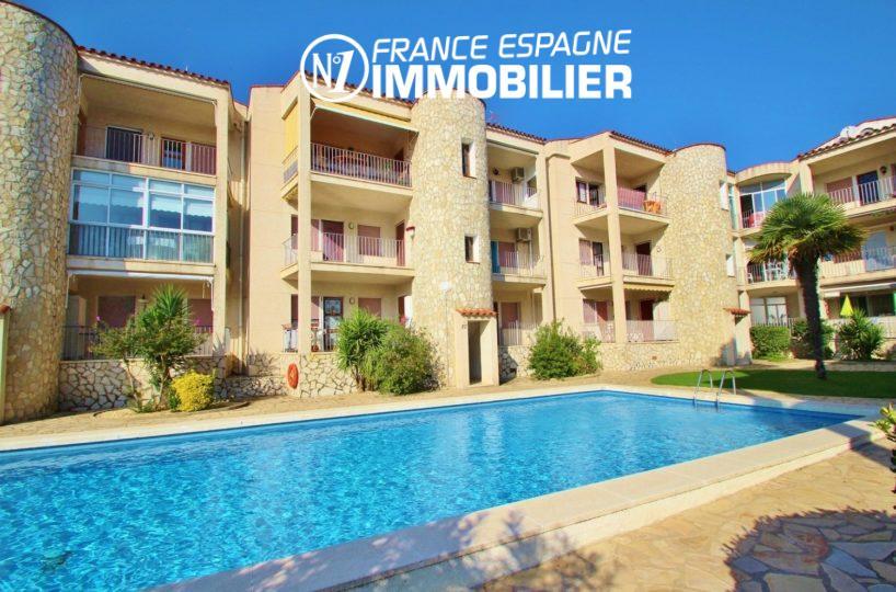 agence immobilière empuriabrava: appartement vue canal avec piscine