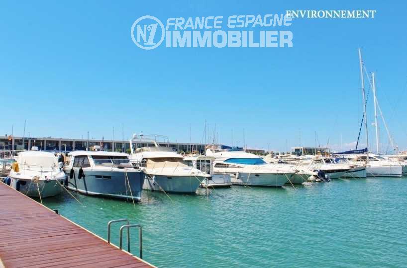 immo center: villa ref.3481, aperçu du port de plaisance aux alentours