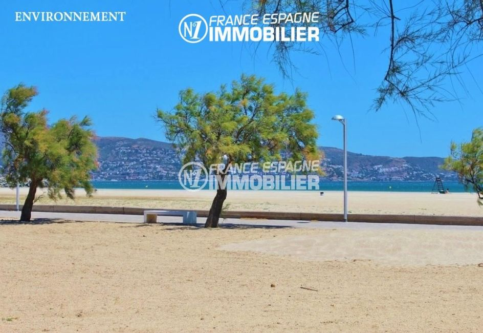 agences immobilieres empuriabrava: villa ref.3271, aperçu de la promenade le long de la plage