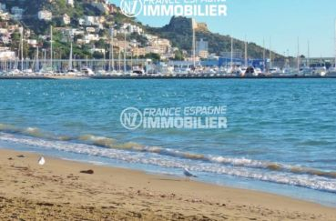 immobilier roses: villa ref.2392, aperçu de la mer / plage à 400 m