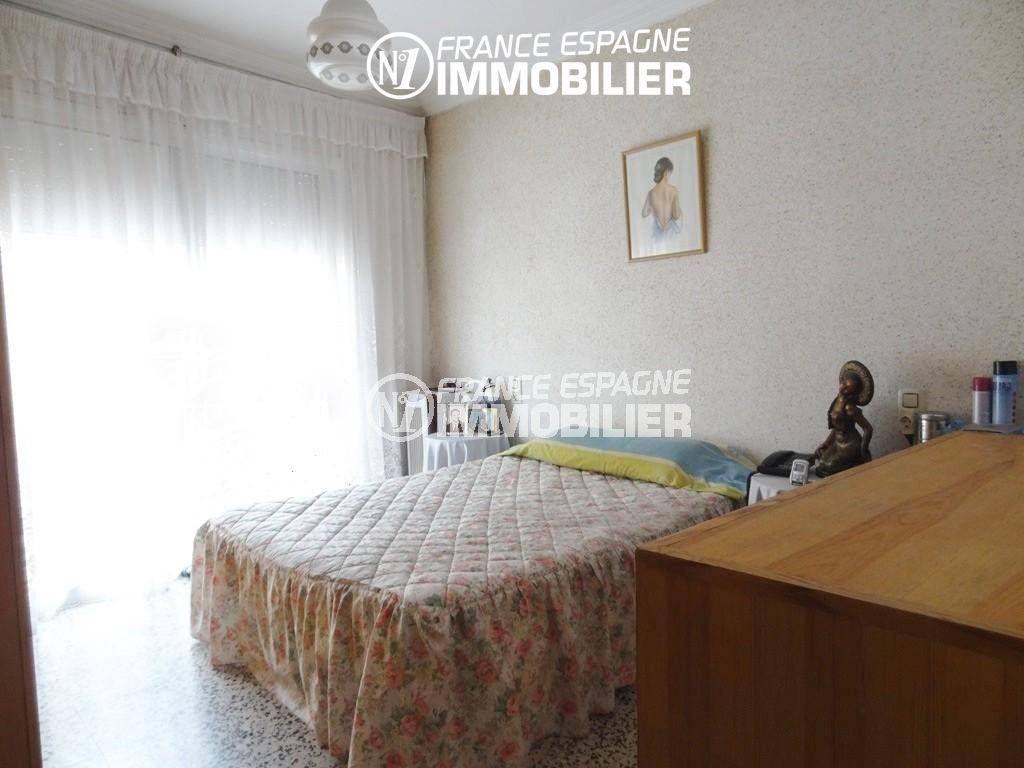 immo roses espagne: villa ref.2191, première chambre à l'étage