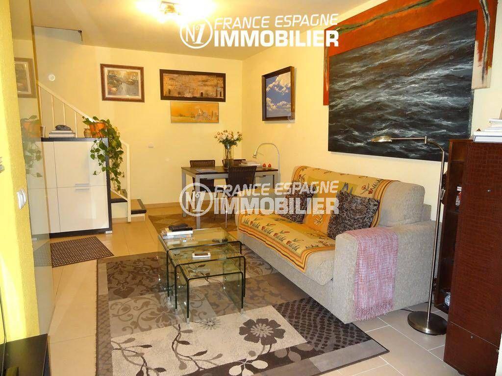 immobilier empuria brava: villa ref.2410, séjour avec coin repas