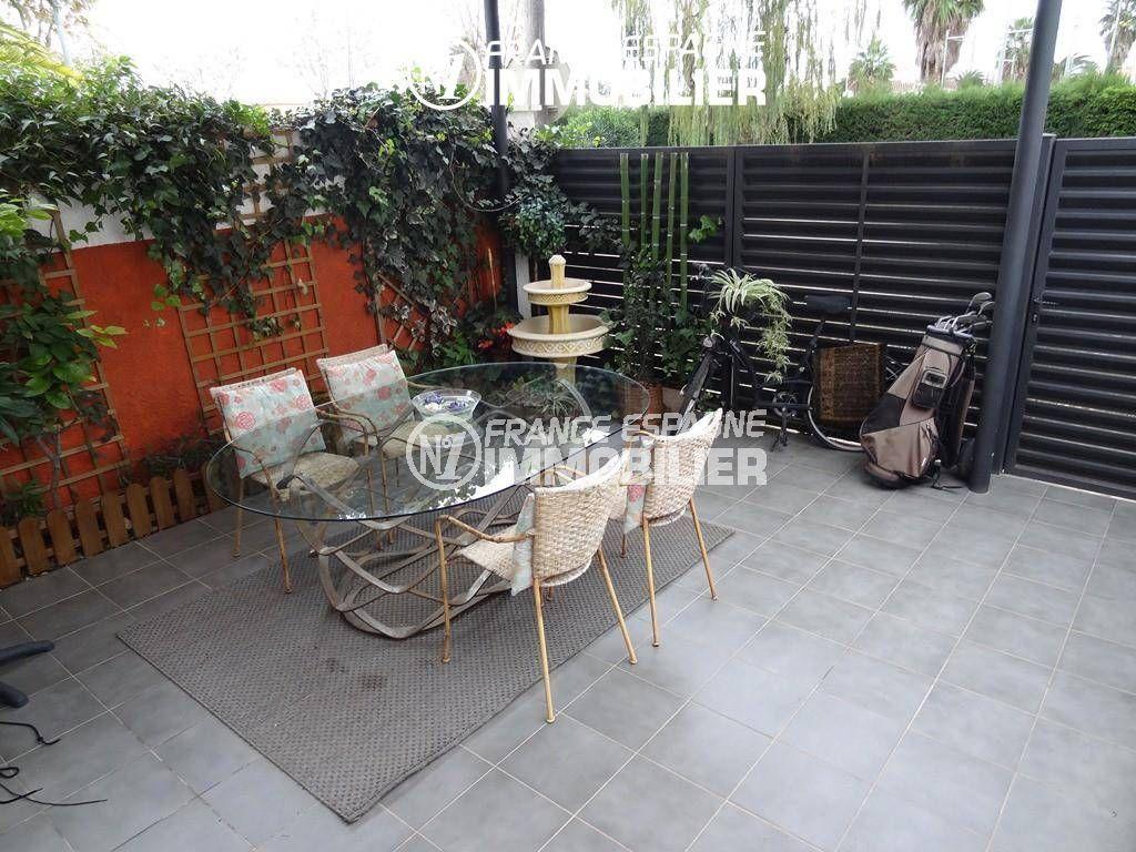 maison a vendre espagne costa brava, ref.2410, aperçu de la terrasse carrelée