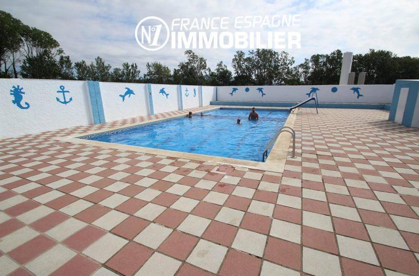 la costa brava: villa ref.2410, aperçu de la piscine et ses abords