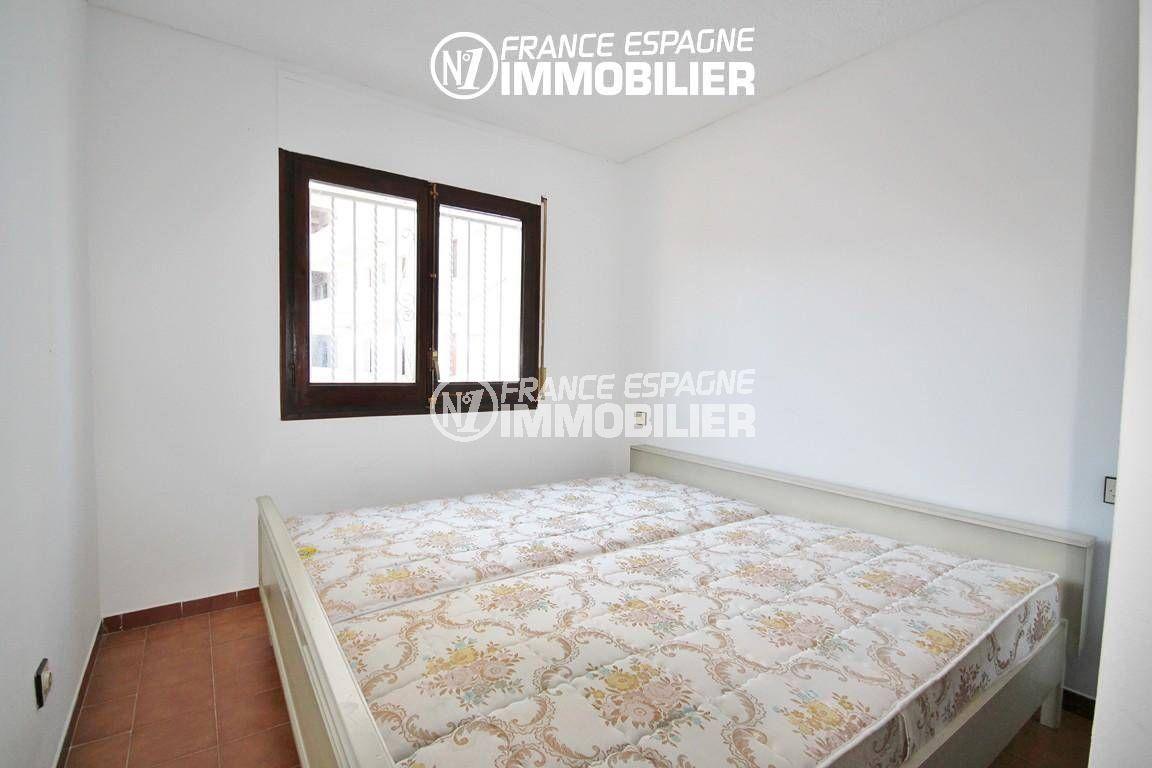 maison a vendre espagne bord de mer, ref.3128, première chambre avec lit double