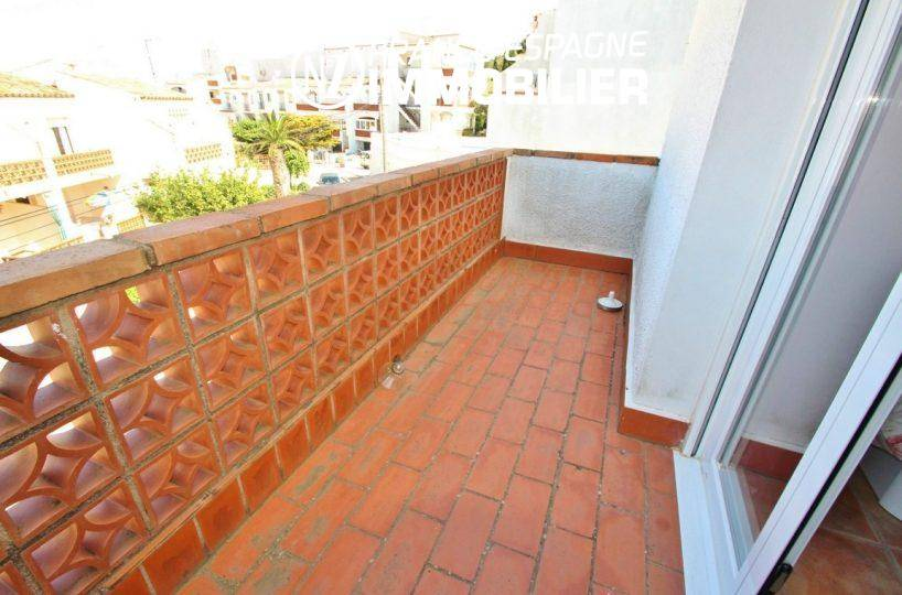 immo costa brava: villa 93 m² avec piscine & garage, petit prix