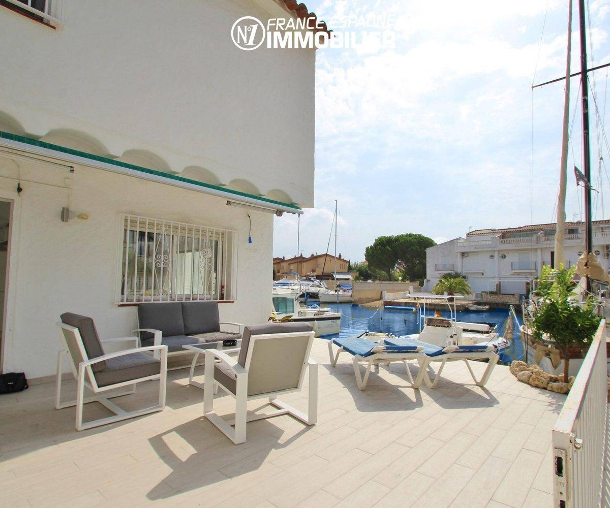 immo costa brava: villa ref.3291, grande terrasse avec vue canal à Santa Margarita