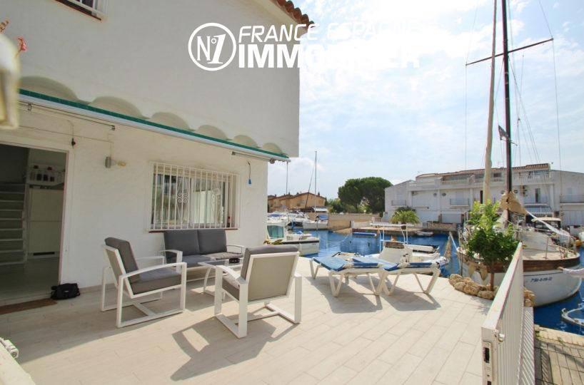immobilier costa brava: villa ref.3291, avec grande terrasse, vue canal, amarre