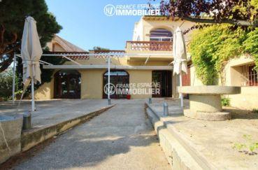 vente immobilier rosas espagne: commerce de 1341 m², belle terrasse extérieure