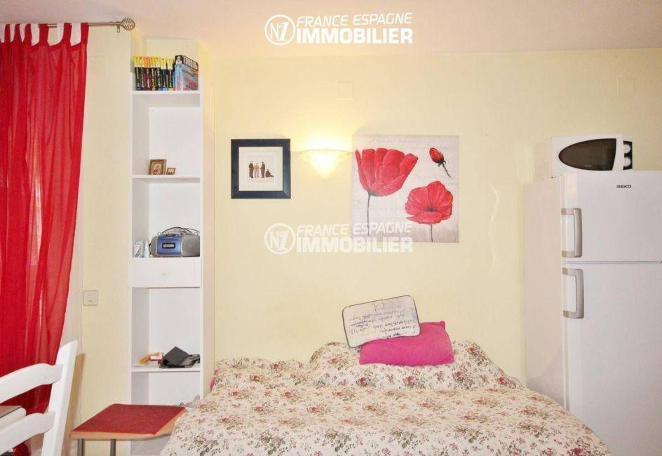 """agence immobiliere empuriabrava: appartement ref.3286, coin """"seconde chambre"""" dans le séjour"""