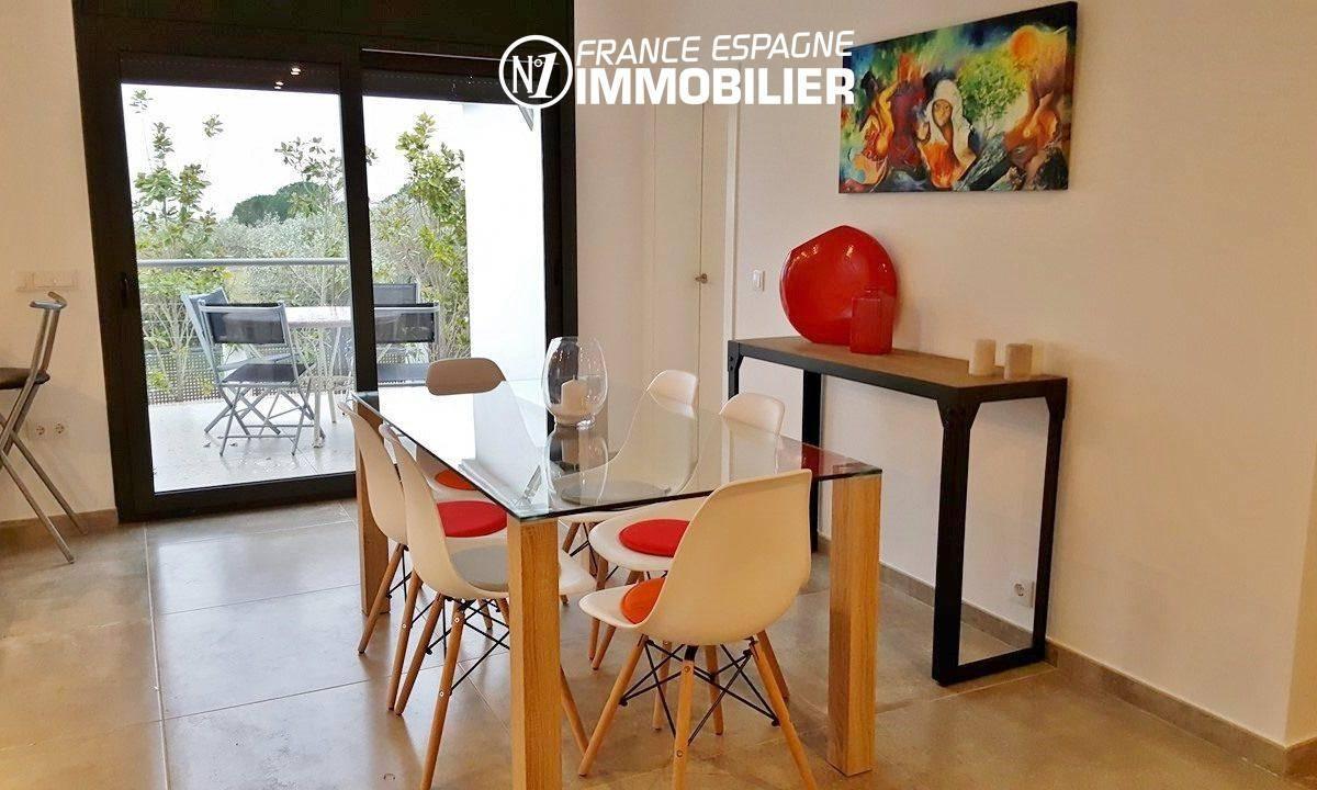 maison a vendre espagne costa brava, ref.2942, salle à manger avec accès à la terrasse