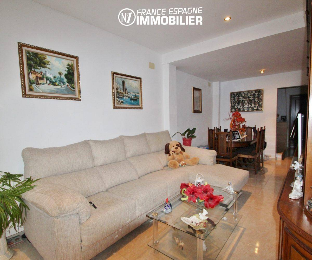 agence immobiliere empuriabrava: villa ref.3352, pièce principale coté séjour