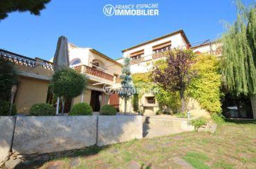 agences immobilieres rosas: commerce à palau, terrasse à l'étage possibilité gîte