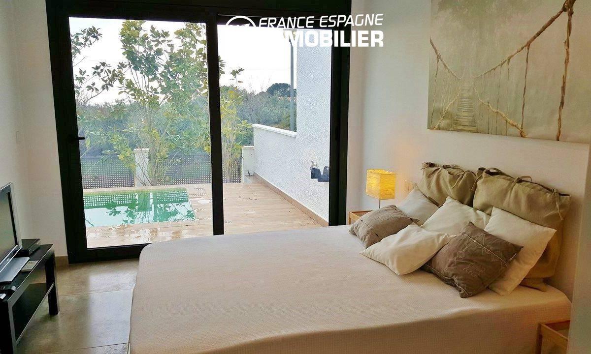 maison a vendre espagne bord de mer, ref.2942, chambre 1 avec accès à la terrasse piscine