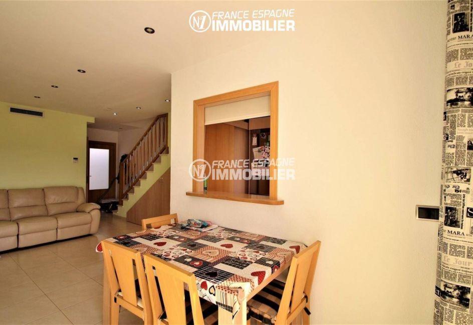agence immobiliere empuriabrava: villa ref.3287, le coin salle à manger