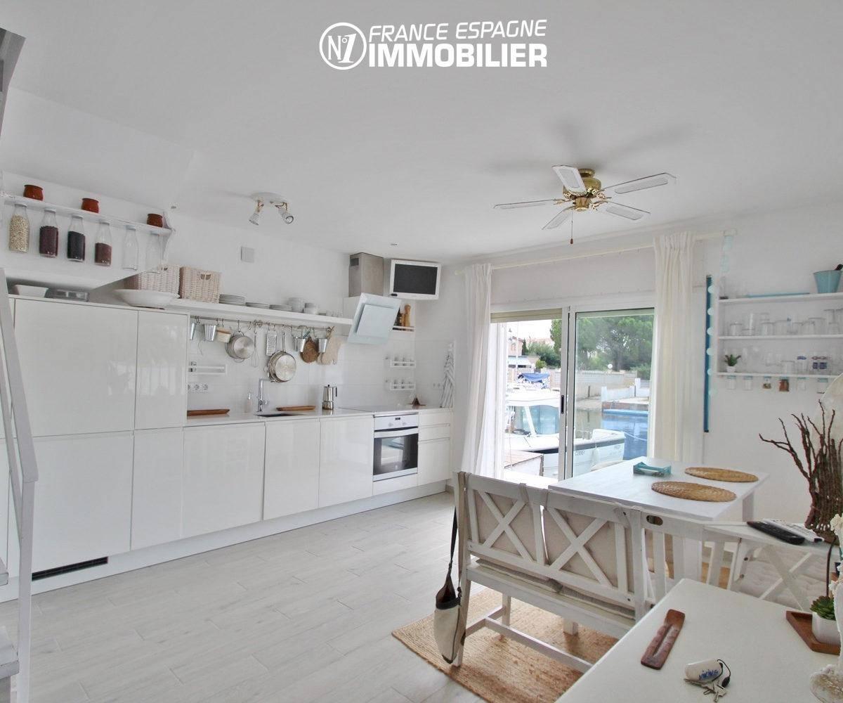 immobilier espagne costa brava: villa ref.3291, cuisine américaine équipée avec accèss terrasse
