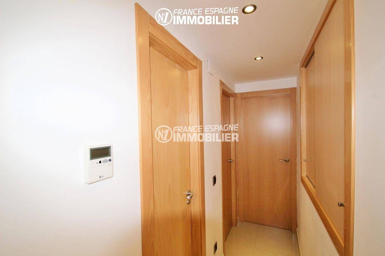 maison a vendre empuriabrava,  ref.3287, couloir menant aux chambres