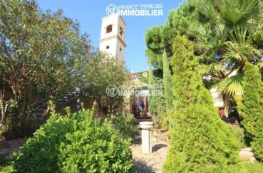achat rosas: commerce de 1341 m², végétation extérieure bien entretenue
