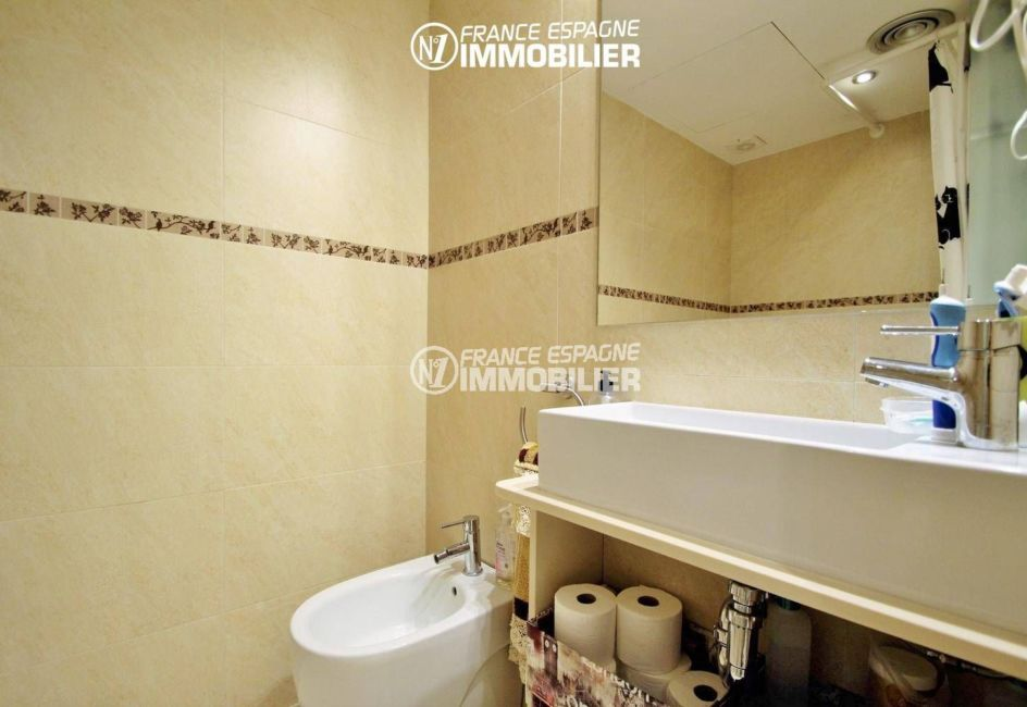 agence immobilière costa brava: villa ref.3287, seconde salle d'eau
