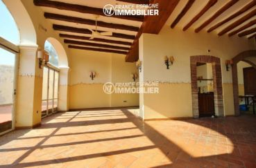 costabrava immo: commerce de 1341 m², salon / séjour du logement à l'étage accès terrasse