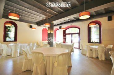 acheter sur la costa brava: commerce 1341 m², salle de réception avec accès terrasse